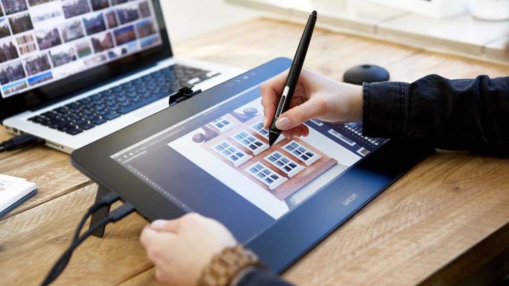 Tablet graficzny z ekranem Cintiq Pro 13