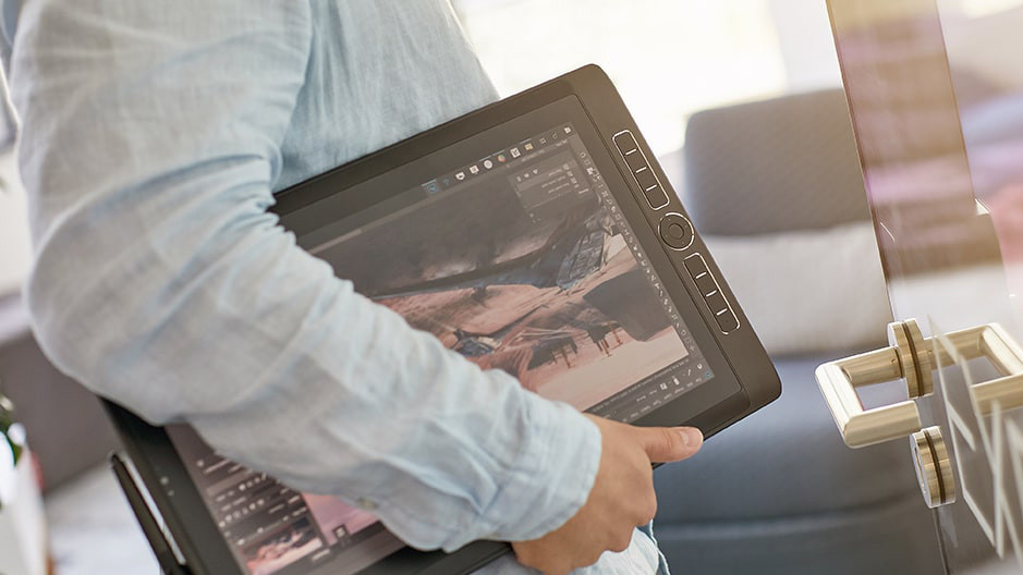 Tablet graficzny z ekranem Mobile Studio Pro