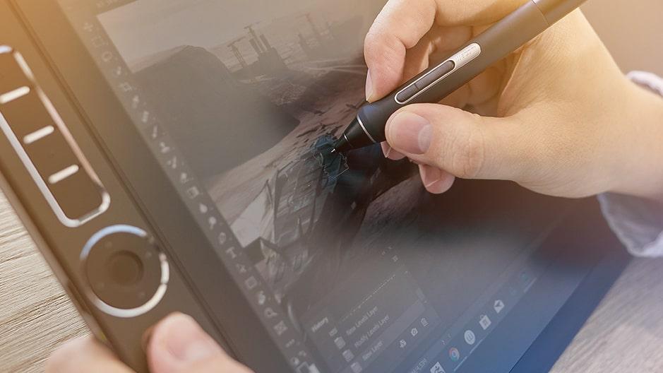 Tablet graficzny z ekranemwacom mobile studio 16