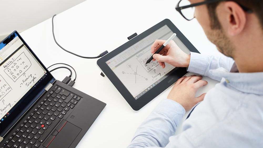 Tablet graficzny z ekranem Wacom One