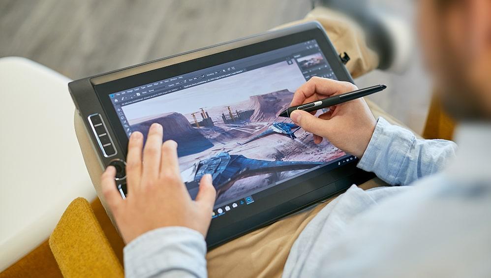 Wacom Mobile Studio Pro Tablet graficzny z wyświetlaczem i komputerem