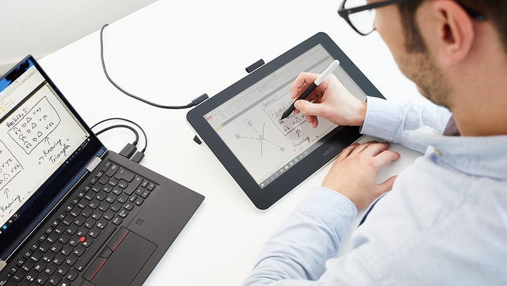 Wacom One tablet graficzny z ekranem
